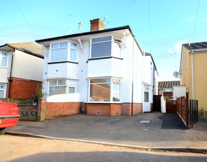 3 Bedrooms Semi Detached House for sale in Wilson Road, Bournemouth
