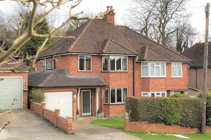 3 Bedrooms Semi Detached House for sale in Downley, High Wycombe