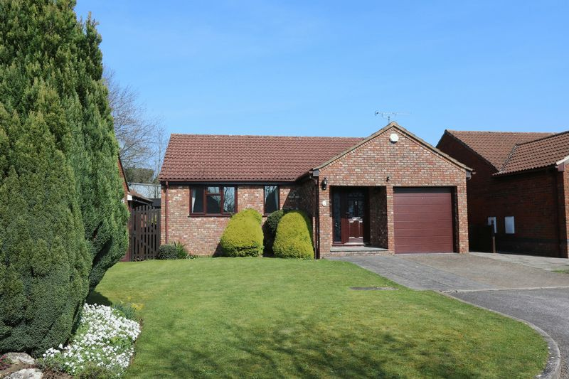3 Bedrooms Detached Bungalow for sale in Acorn Gardens, High Wycombe