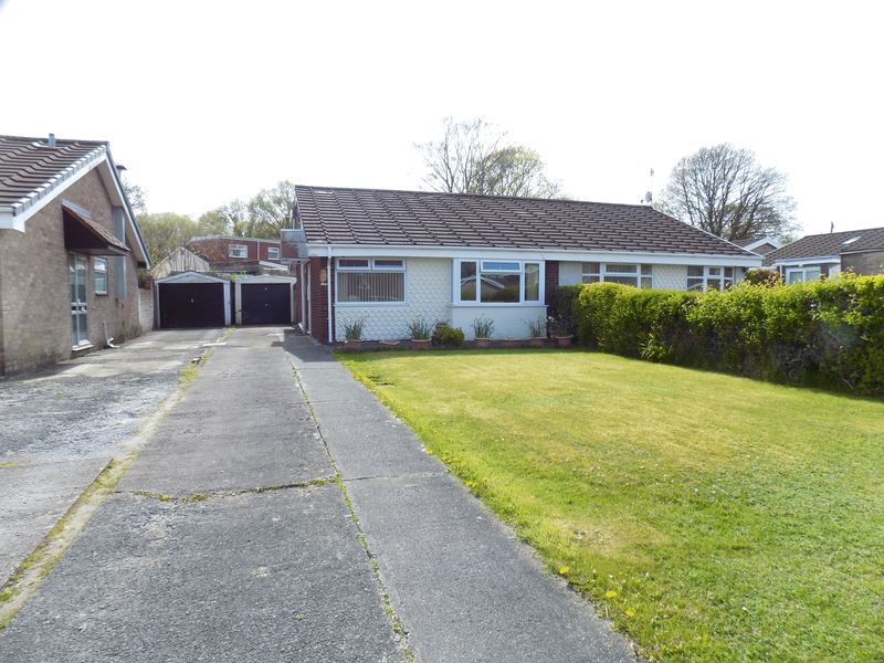 2 Bedrooms Semi Detached Bungalow for sale in Hazel Grove, Caerphilly