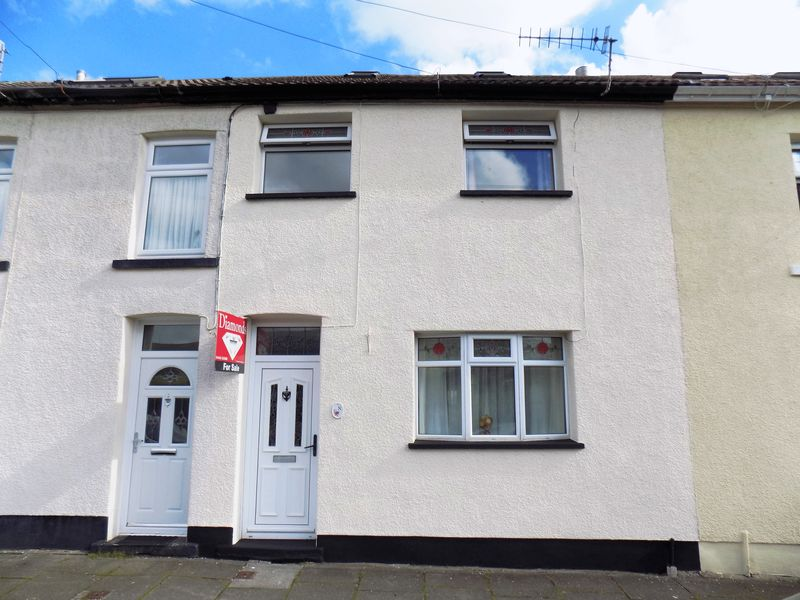 3 Bedrooms Terraced House for sale in Grand View Terrace, Tonypandy