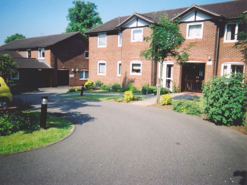 1 Bedroom Retirement Property for sale in Barden Court, Maidstone, ME14 5AP