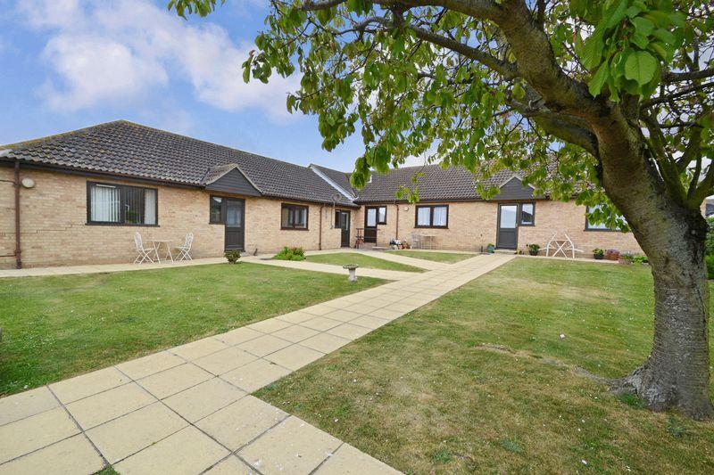 1 Bedroom Retirement Property for sale in Oakhaven, Harwich, CO12 4XR