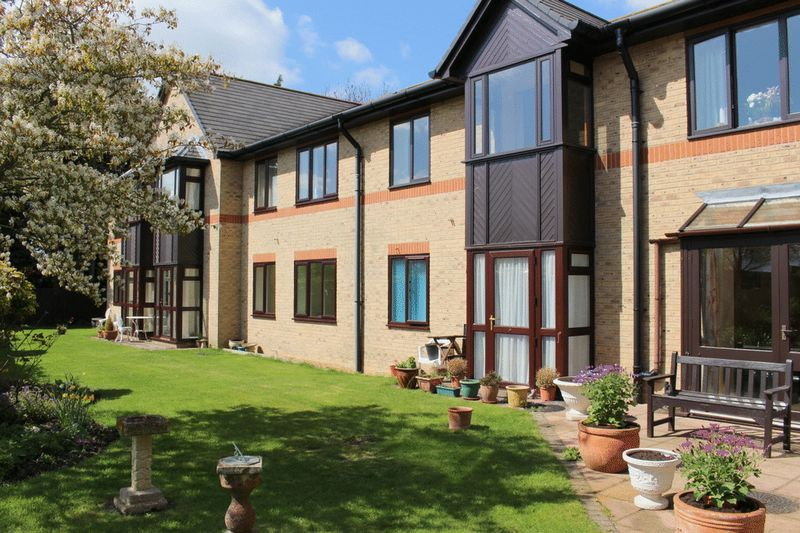 2 Bedrooms Retirement Property for sale in Ashleigh Court, Huntingdon, PE28 2UN