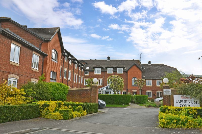 1 Bedroom Retirement Property for sale in Laburnum Court, Leighton Buzzard, LU7 3WL