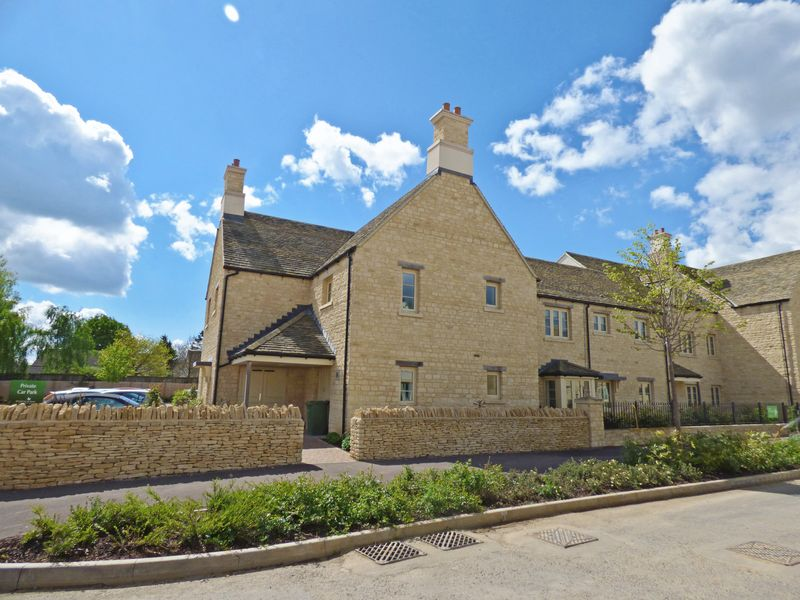 2 Bedrooms Retirement Property for sale in London Road, Tetbury