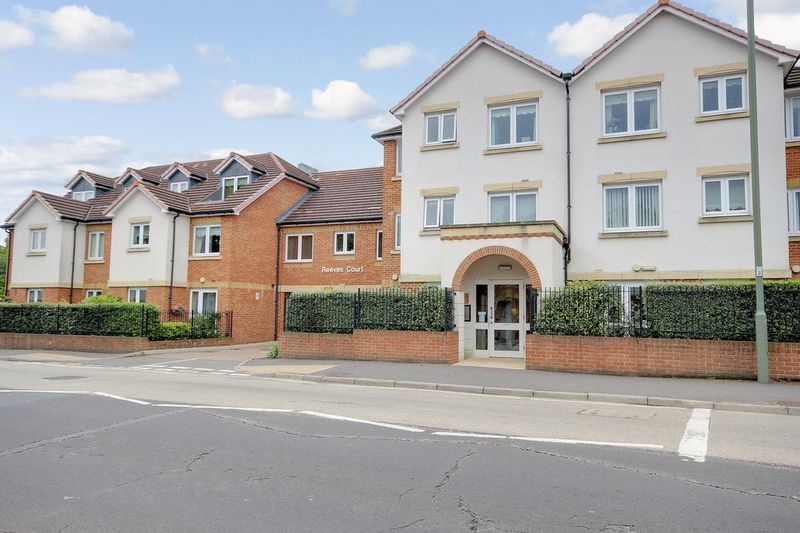 1 Bedroom Retirement Property for sale in Reeves Court, Camberley, GU15 3EJ