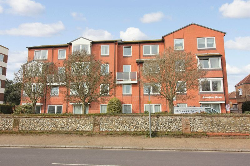 2 Bedrooms Retirement Property for sale in Homepier House, Worthing, BN11 4PP