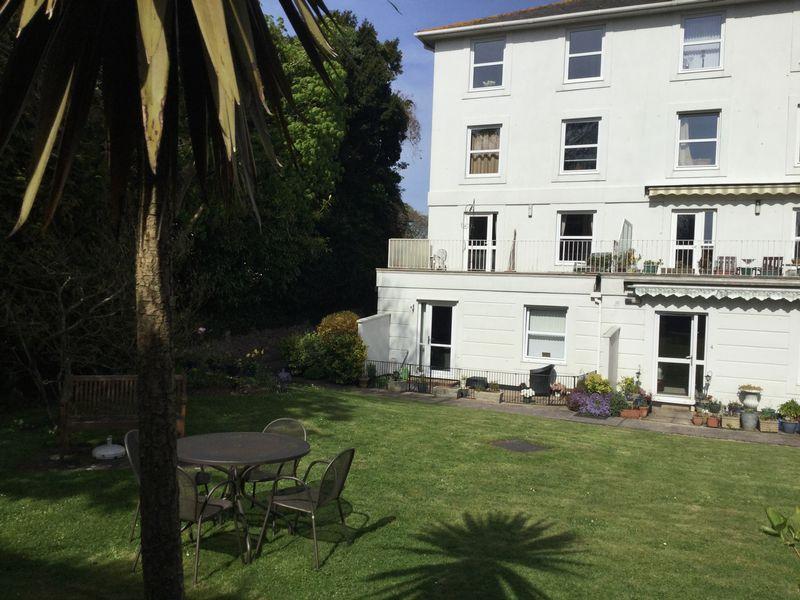 1 Bedroom Retirement Property for sale in Glenside Court, Torquay, TQ1 2RJ