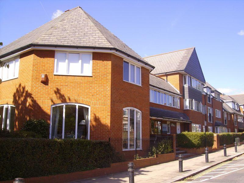 2 Bedrooms Retirement Property for sale in Balcon Court, Ealing, W5 3AZ