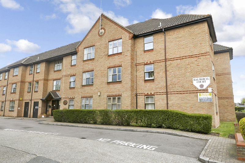 2 Bedrooms Retirement Property for sale in Balmoral Court, Chelmsford, CM2 6JQ