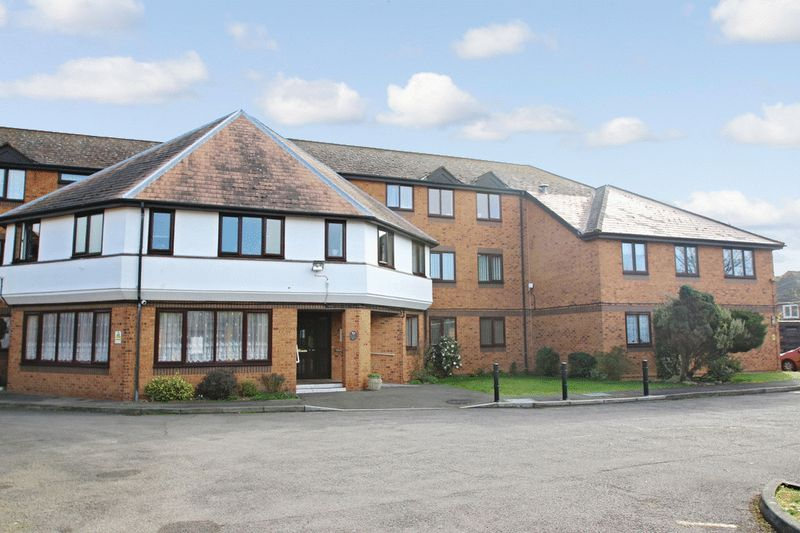 2 Bedrooms Retirement Property for sale in Leaside Court, Hillingdon, UB10 0DD