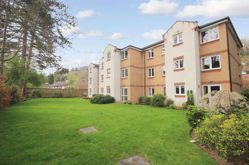 1 Bedroom Retirement Property for sale in Asprey Court, Caterham, CR3 6JX