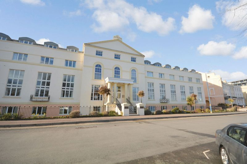 1 Bedroom Retirement Property for sale in Royal Court Teignmouth TQ14 8BR