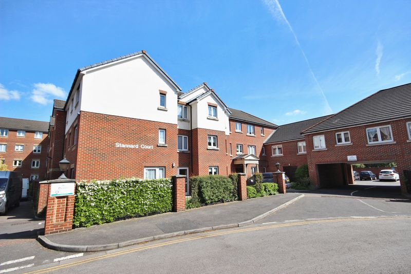 2 Bedrooms Retirement Property for sale in Stannard Court, Catford, SE6 2LE