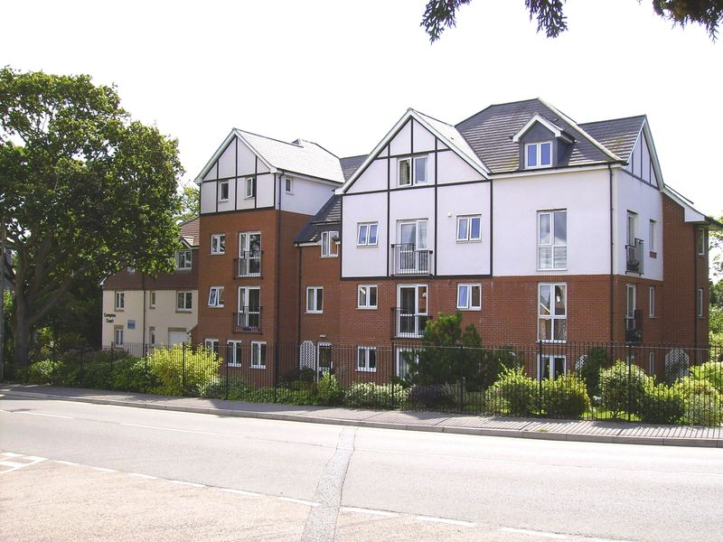 2 Bedrooms Retirement Property for sale in Compton Court, Bournemouth, BH6 3BP