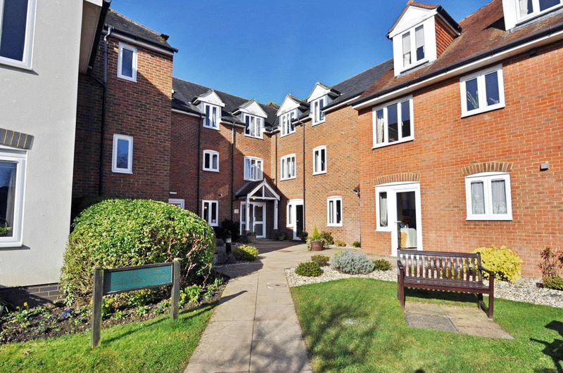 2 Bedrooms Retirement Property for sale in Mallard Court, Newbury, RG14 5HL