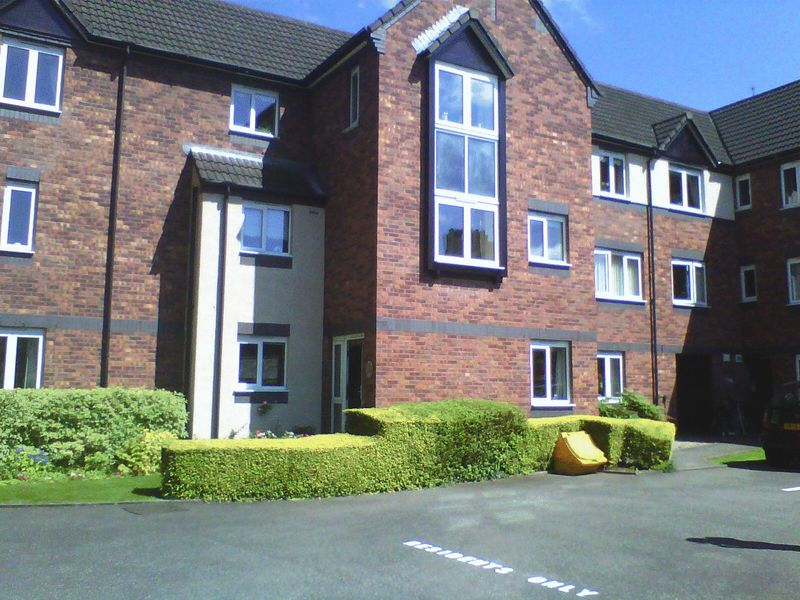 1 Bedroom Retirement Property for sale in Brielen Court, Nottingham, NG12 2GB