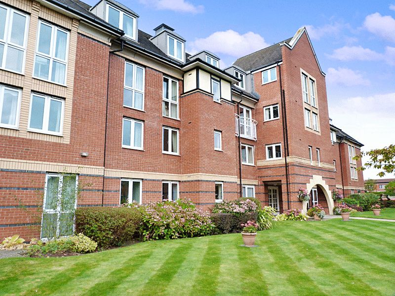 2 Bedrooms Property for sale in Hillary Court, Formby, L37 3PS