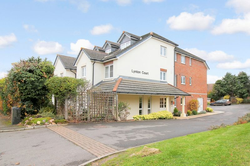 1 Bedroom Property for sale in Lynton Court, Epsom, KT17 1LF