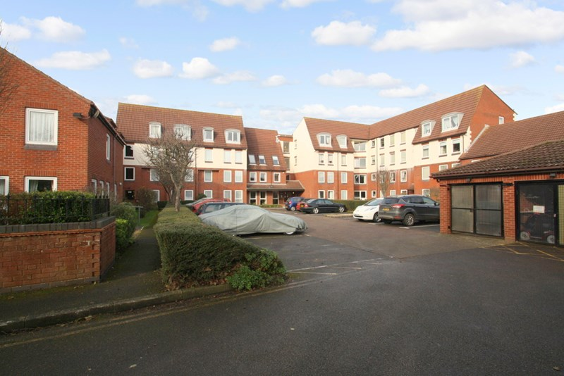 1 Bedroom Property for sale in Homesea House, Southsea, PO5 4DG