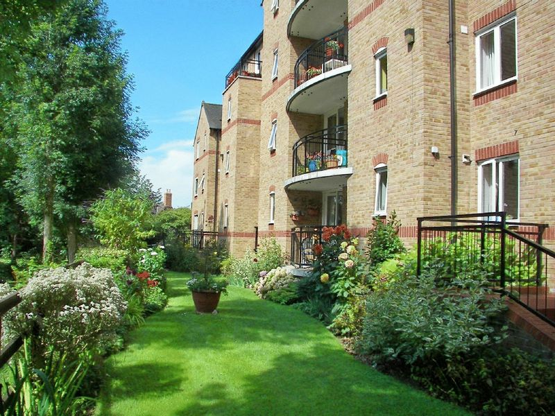 1 Bedroom Property for sale in Waterside Court, St Neots, PE19 2BL