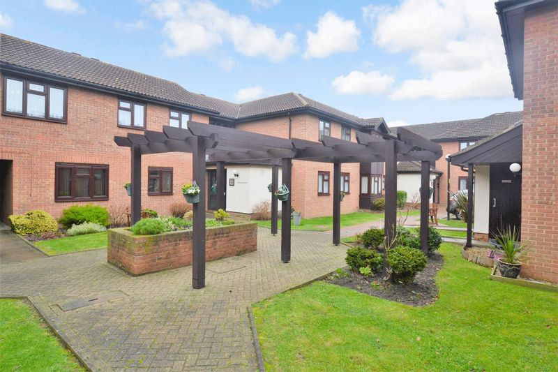 1 Bedroom Property for sale in Fountain Court, Sidcup, DA15 9HH