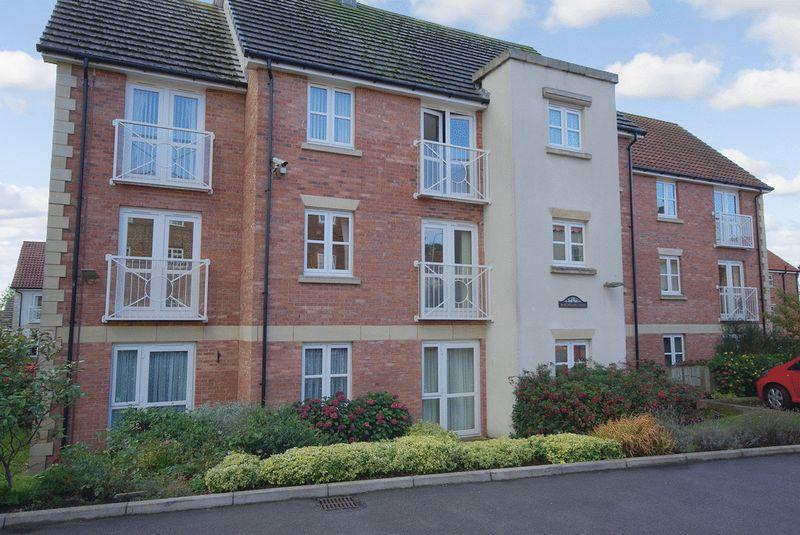 2 Bedrooms Property for sale in Burlington Court, Bridlington, YO16 4PQ