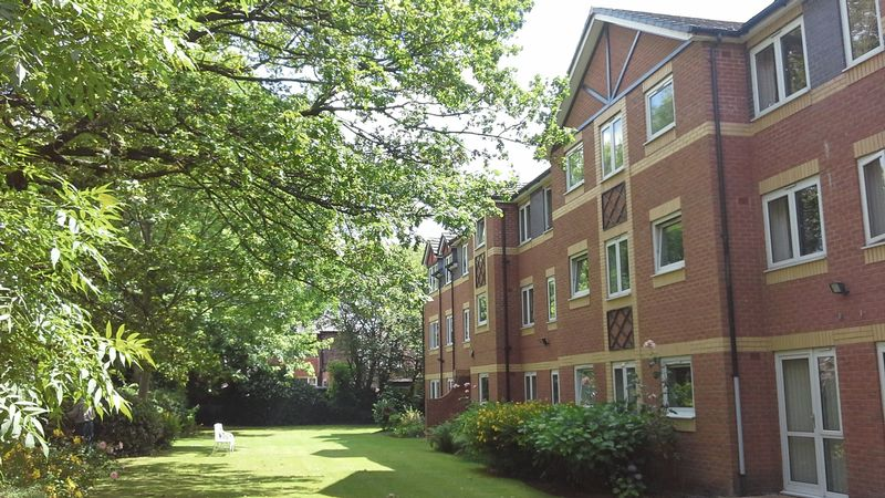 1 Bedroom Property for sale in Oak Court, Manchester, M20 4NE