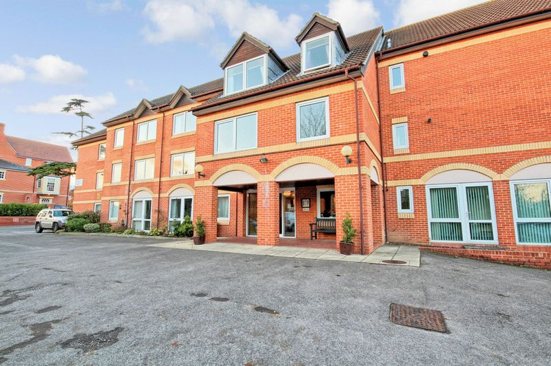 1 Bedroom Property for sale in Braintree Road, Great Dunmow