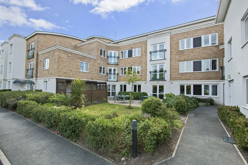 1 Bedroom Property for sale in Highview Court, Highcliffe, BH23 5GJ