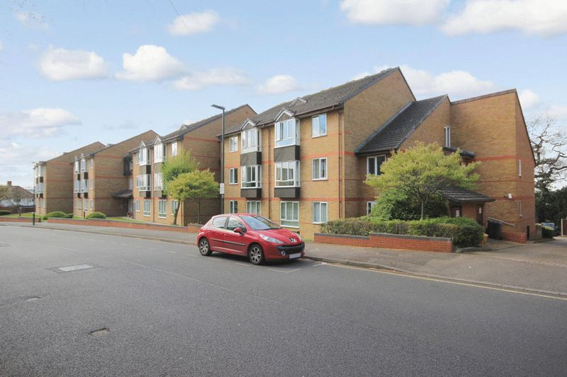 1 Bedroom Property for sale in Oak Lodge, Sutton, SM1 4QN