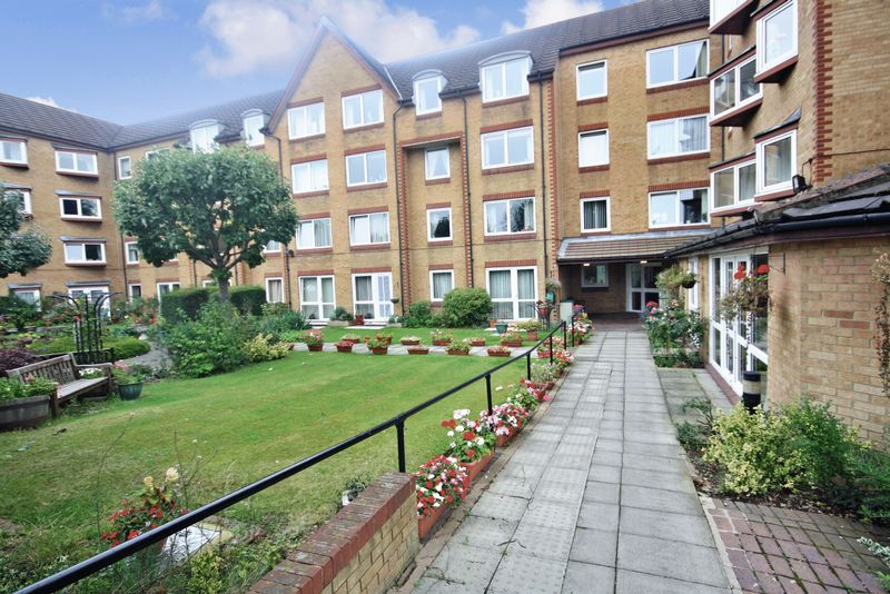 1 Bedroom Property for sale in Homemanor House, Watford, WD18 0QS