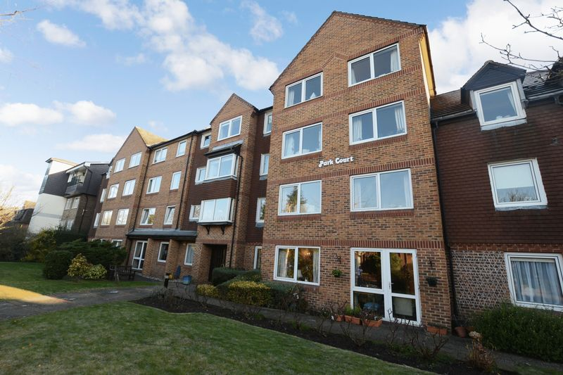 1 Bedroom Property for sale in Park Court (Beckenham), Beckenham, BR3 6QN