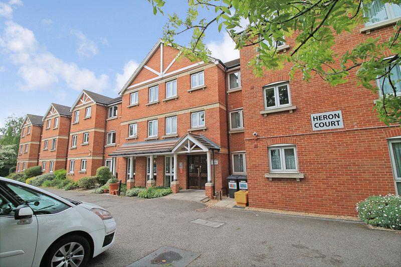 1 Bedroom Property for sale in Heron Court, Ilford, IG1 4EW