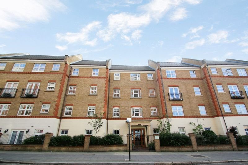 1 Bedroom Property for sale in Pegasus Court (Acton), Acton, W3 6PT