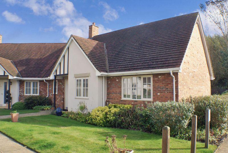 2 Bedrooms Property for sale in Brampton View, Northampton, NN6 8GB