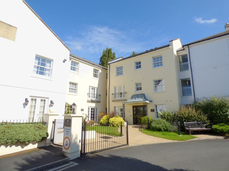 1 Bedroom Property for sale in Jubilee Court, Cheltenham, GL50 2AJ