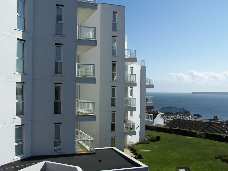 2 Bedrooms Property for sale in Kingsdale Court (Torquay), Torquay, TQ2 5YG