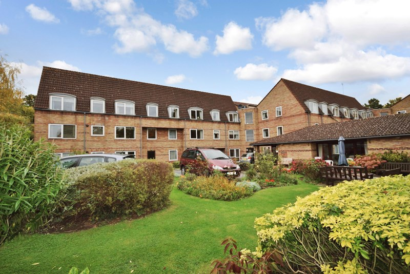 1 Bedroom Property for sale in Homewillow Close, Winchmore Hill, N21 2HJ