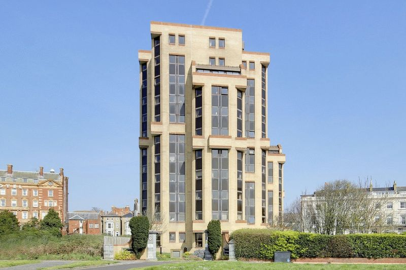 1 Bedroom Property for sale in Homeheights, Southsea, PO5 3NW