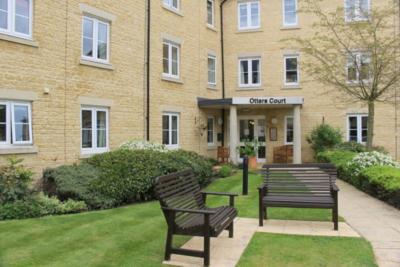 2 Bedrooms Property for sale in Otters Court, Witney, OX28 1GJ
