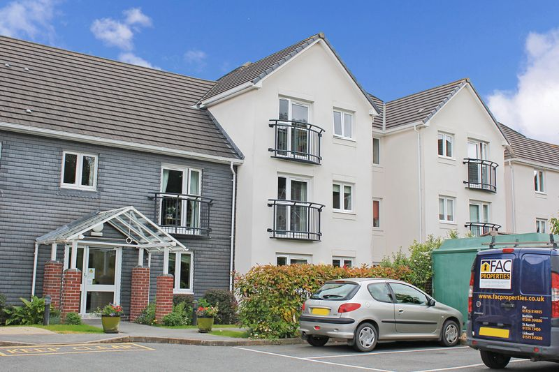 2 Bedrooms Property for sale in Olde Market Court, Wadebridge, PL27 7LY