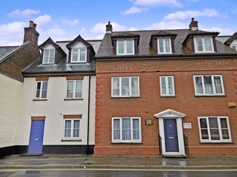 1 Bedroom Property for sale in Cottage Mews, Ringwood, BH24 1DG
