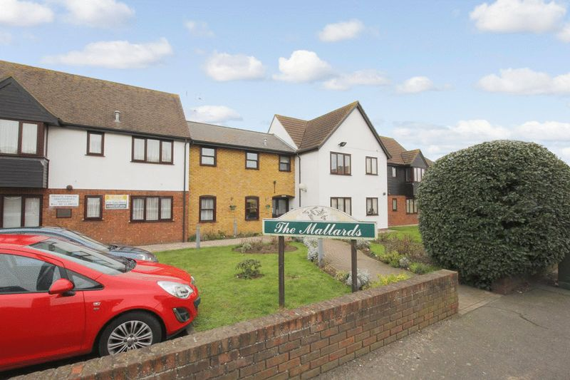 1 Bedroom Property for sale in The Mallards (Great Wakering), Great Wakering, SS3 0HY