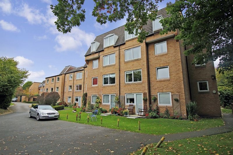 1 Bedroom Property for sale in Homeworth House, Woking, GU22 7XE
