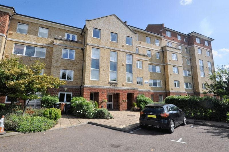 1 Bedroom Property for sale in Newman Court, Bromley, BR1 1BQ
