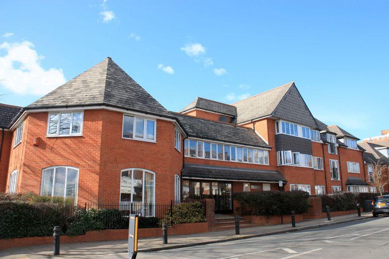 1 Bedroom Property for sale in Balcon Court, Ealing, W5 3AZ
