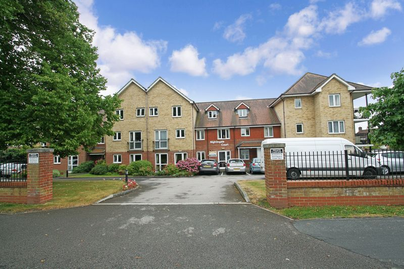 2 Bedrooms Property for sale in Nightingale Court, Portsmouth, PO6 2JA