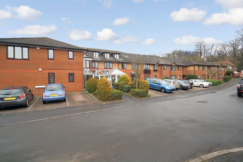 1 Bedroom Property for sale in Chestnut Lodge, Southampton, SO16 7NT